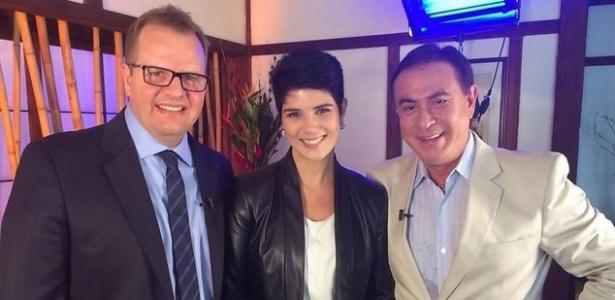 """5.mar.2015 - Mariana Godoy e o marido, ex-padre Dalcides Biscalquin, são entrevistados pelo programa """"Amaury Jr."""""""