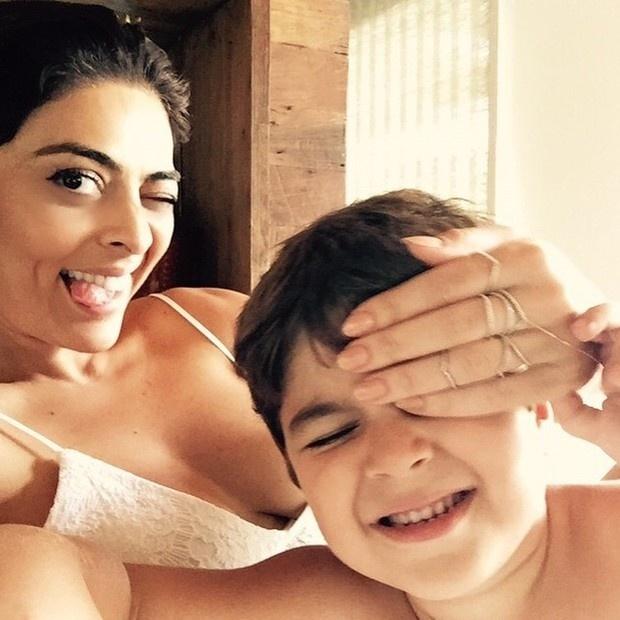 7.mai.2015 - Juliana Paes postou um momento divertido ao lado do filho mais velho, Pedro, no Instagram. . Na legenda, a atriz brincou: