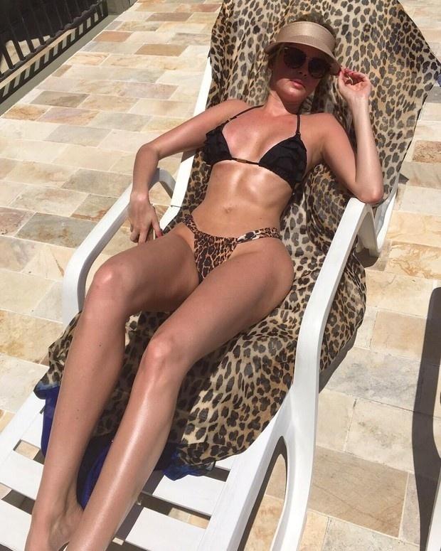 Veja fotos da modelo Bárbara Evans - BOL Fotos - BOL Fotos a901ad94b06