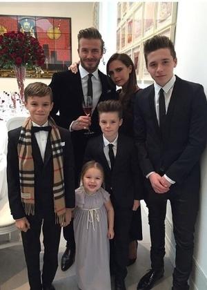 David Beckham com mulher, Victoria Beckham, e os filhos Romeo, Harper, Cruz e Brooklyn  - Reprodução/Instagram