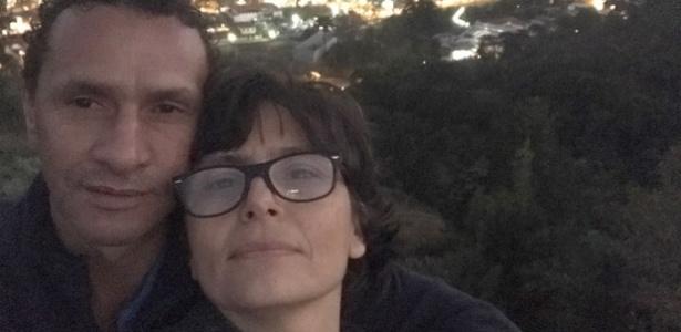Soninha Francine posa ao lado do namorado, Paulo Sérgio Rodrigues Martins, ex-morador de rua
