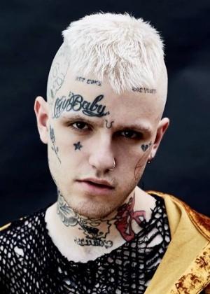 """Gustav Ahr, o nome verdadeiro do cantor Lil Peep, era apontado como uma das revelações do rap por ser um """"rapper emo"""""""