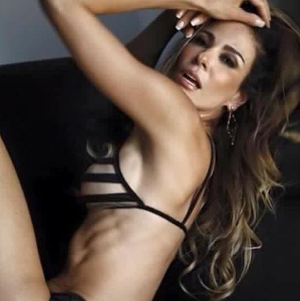 """18.mai.2016 - Luciana Gimenez abusou da sensualidade ao postar uma foto em que aparece com uma lingerie transparente nas redes sociais. A apresentadora provocou os seguidores no Instagram. """"Tá ousadinha ultimamente"""", comentou um dos fãs da morena. Outro ainda elogiou a beldade: """"Você está poderosa, você pode tudo com esse corpo perfeito"""", disse."""