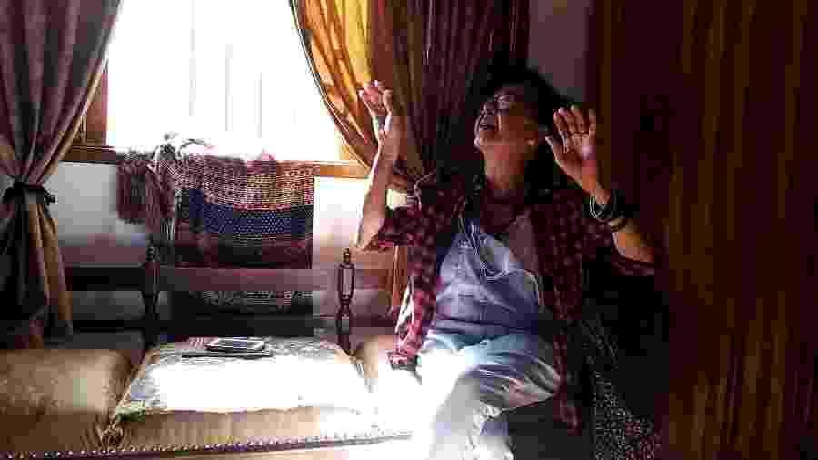 """Thais, uma das idosas entrevistas para o """"Trajetos Celulares: conhecer idosas, reconhecer caminhos"""" - Nubia Abe/Chakumbolo"""