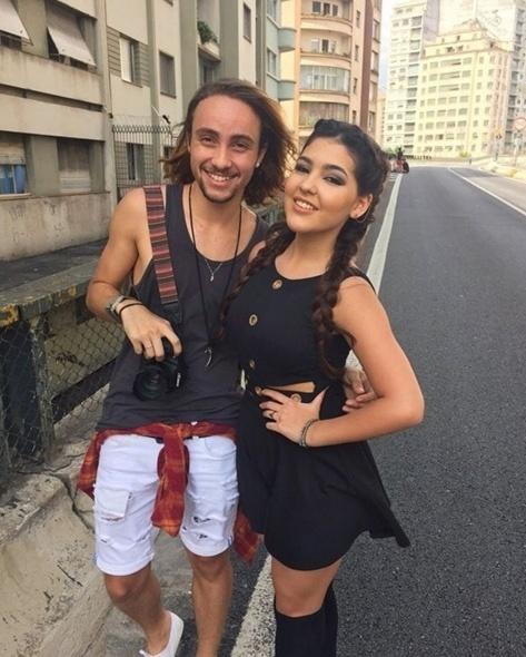 11.mar.2016 - Ana posou em ensaio fotográfico assinado por Tiago Chinellato em que aparece linda e bem moderna. Ela apostou nas tranças e caprichou nas poses