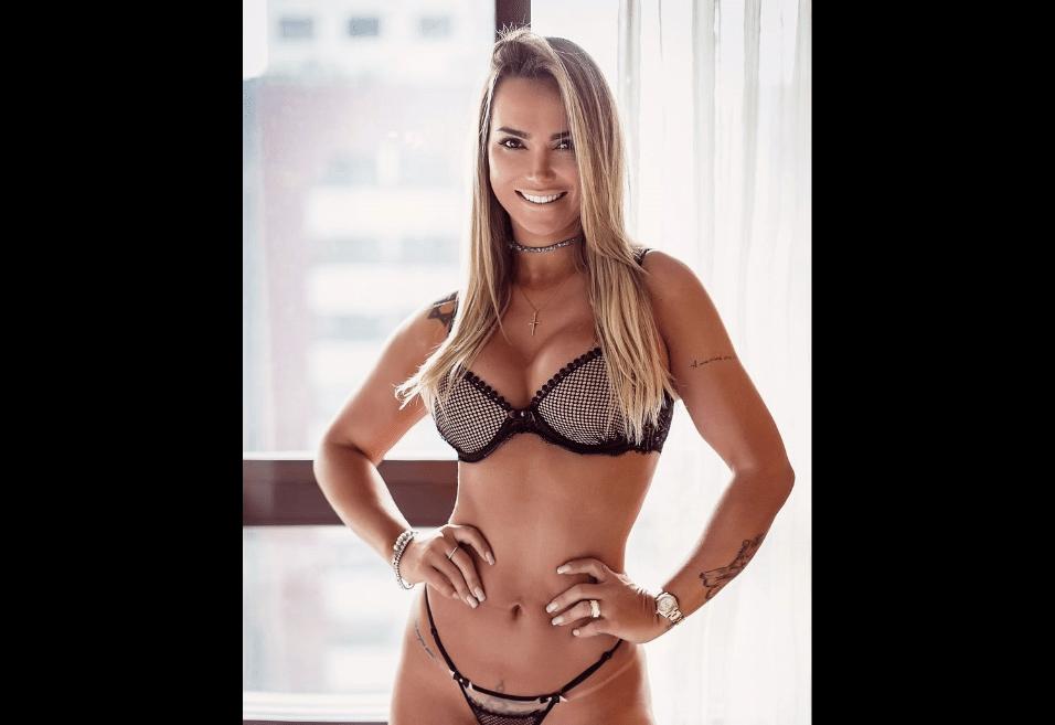"""24.jul.2017 - A modelo e apresentadora revelou que a mudança do manequim 38 para o 40 a fazia sentir que tinha engordado. """"Estou treinando pesado mas sem aumentar as medidas. Continuo fininha só em busca de definição muscular"""", disse Eliana Amaral"""