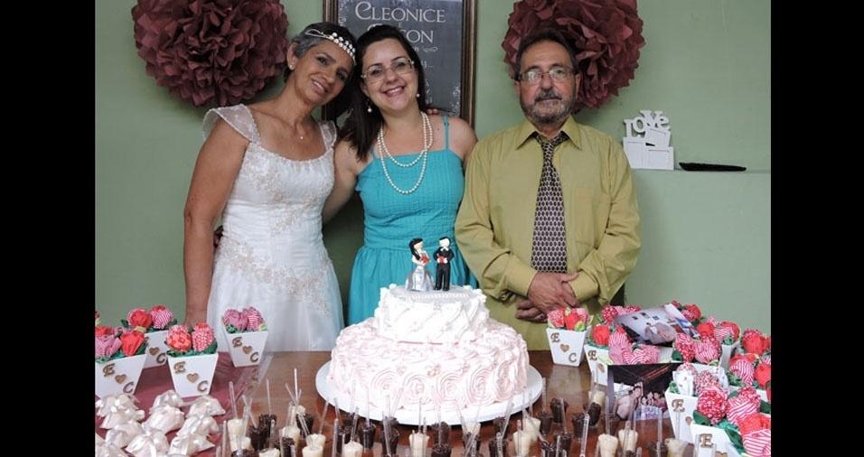 Janaina Piconi com pai Edson Arlley e a mãe Cleonice, de São José dos Campos (SP)