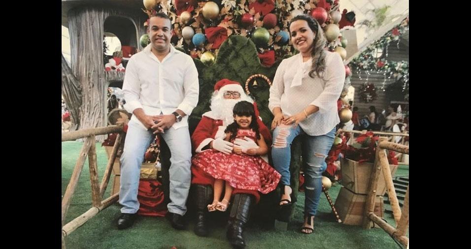 Ruy Célio Rodrigues Souza com a filha Rebeca e a esposa Cecília Miranda Rodrigues. Eles moram em Montes Claros (MG)