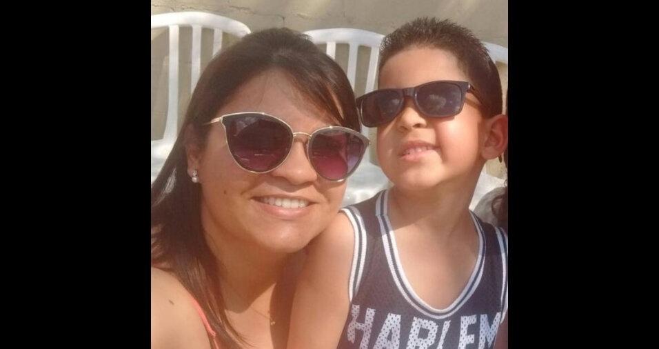 O Enzo Gabriel adora fazer caras e bocas com a mamãe Aline, de Cosmópolis (SP)