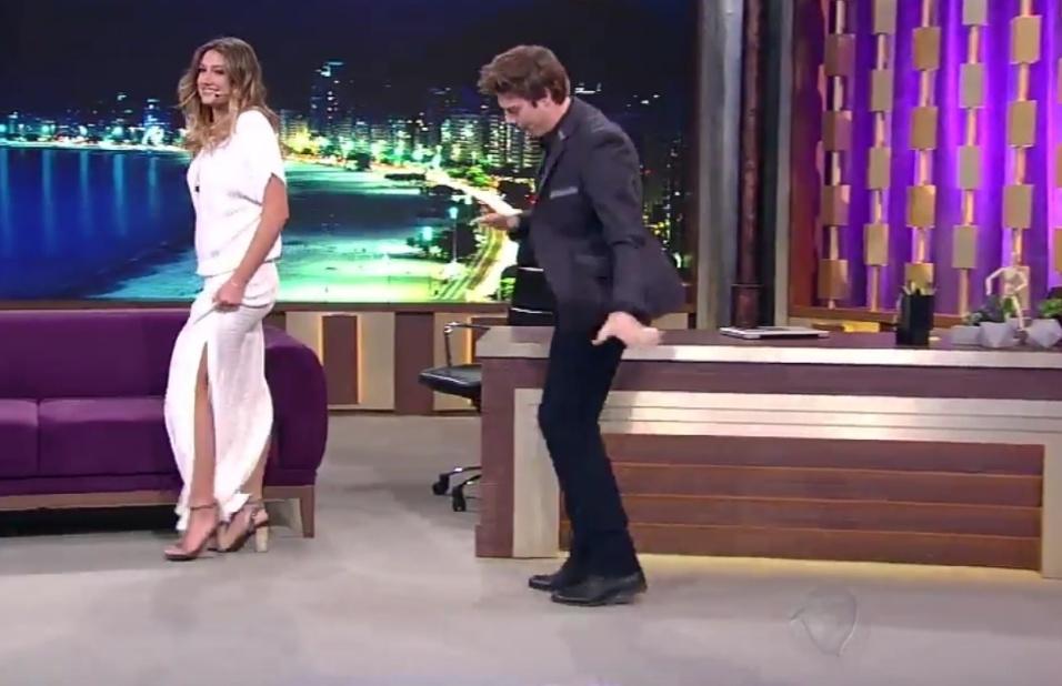 24.ago.2016 - Porchat recebeu Sasha em uma dupla estreia: a do programa do humorista e a entrevista da filha de Xuxa