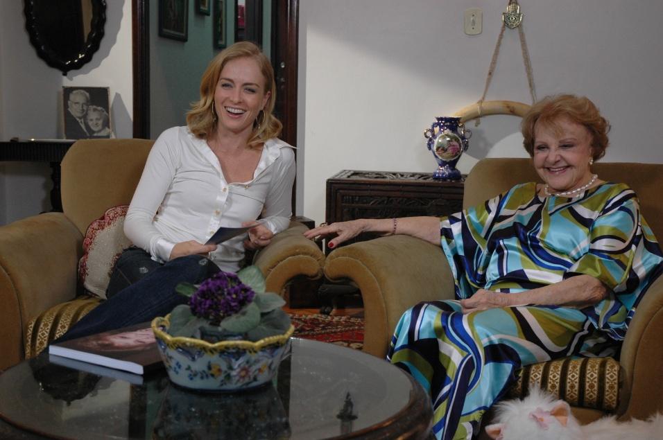 "3.jul.2009 - Angélica entrevista a atriz Eva Todor para o programa ""Estrelas"""