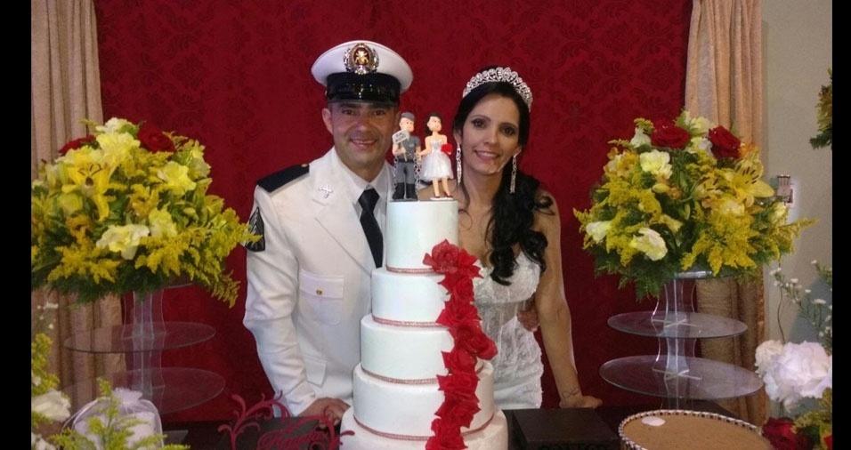 Renata Valéria Ferreira dos Santos e Emerson de Oliveira se casaram em 12 de novembro de 2016, em São José dos Campos (SP)