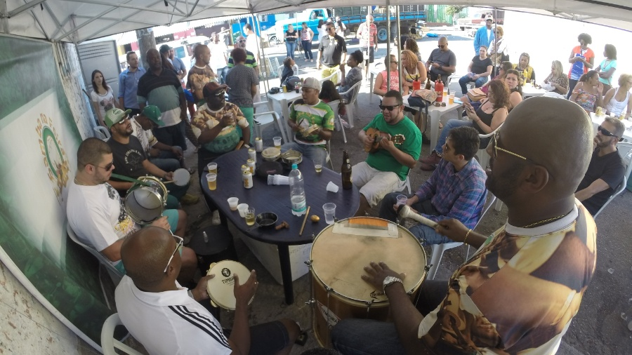 Concurso vai escolher o melhor grupo de samba de mesa do Rio de Janeiro - Bárbara Forte/BOL