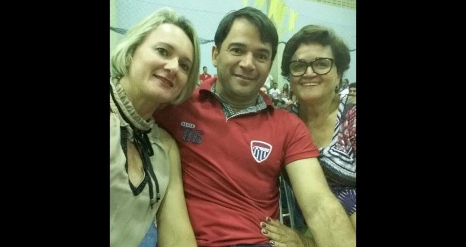 Davidson Cabral Barbosa, de Surubim (PE), com Dayse a mãe Risalva