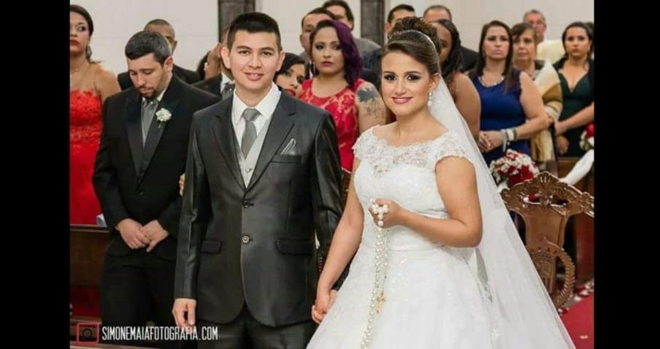 Thaís Siqueira Marques e Ronaldo Batista Costa se casaram em 1 de outubro de 2016, em Bonsucesso (RJ)