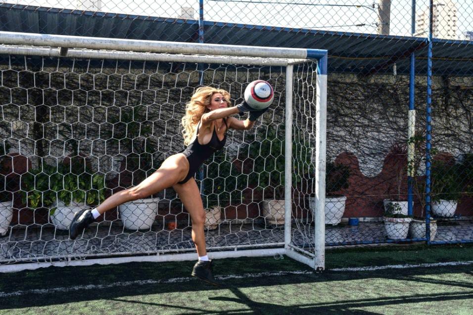 """Ago.2017 - Evento com as candidatas ao Miss Bumbum foi destaque em sites gringos como o """"TMZ"""" e o tabloide britânico """"The Sun"""""""