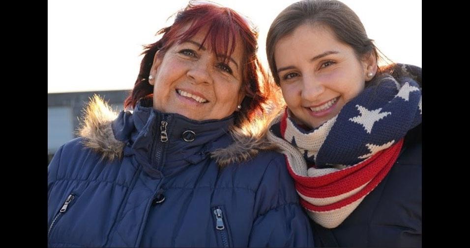 """Rebeca Briones com a mãe """"maravilhosa"""", a chilena Soledad: """"Amo muito ela"""""""