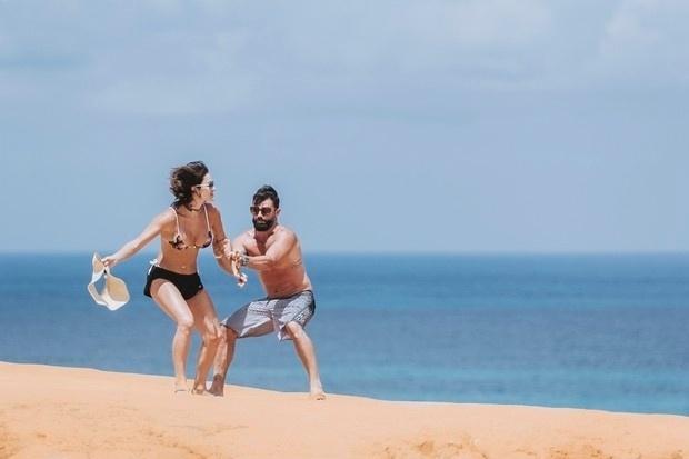 9.dez.2016 - Laura Keller e o marido, Jorge Sousa, estão curtindo a lua de mel em um paraíso brasileiro. O casal viajou para Natal, no Rio Grande do Norte