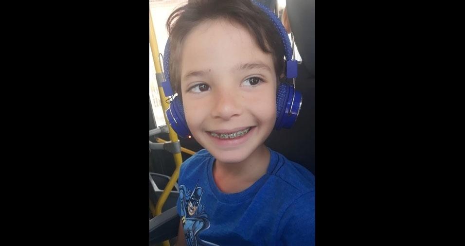 Vicente Filho, oito anos, de Montes Claros (MG), é filho do Vicente e da Joyce