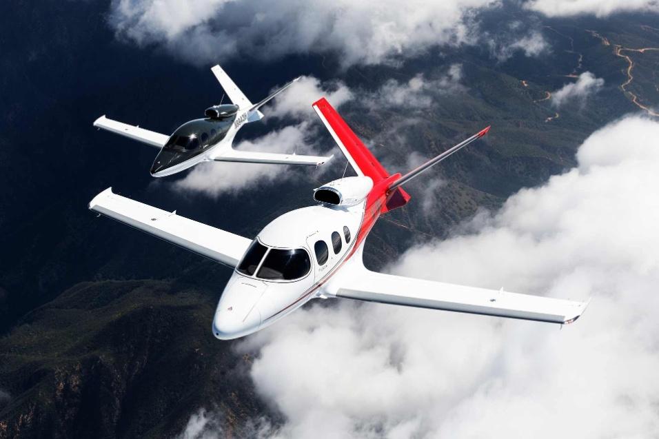 30.mai.2017 - Altitude máxima do Cirrus Vision Jet é de aproximadamente 8.500 metros