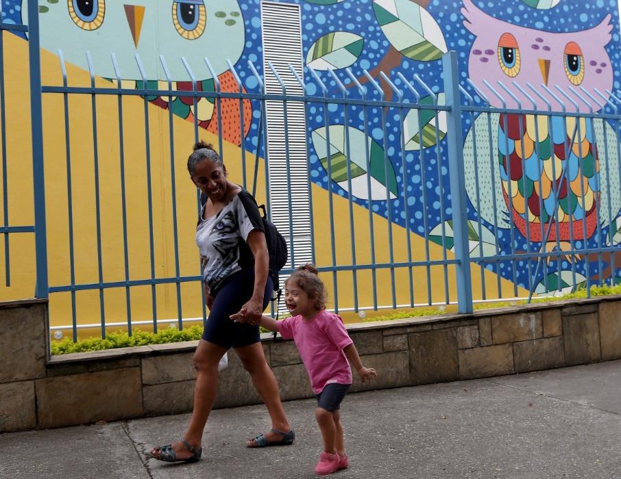 Apae-SP. A Apae-SP (Associação de Pais e Amigos Excepcionais) é uma organização da sociedade civil, sem fins lucrativos, que foi fundada em 1961 por um grupo de pais da alta sociedade de São Paulo que tinham filhos com algum tipo de deficiência intelectual
