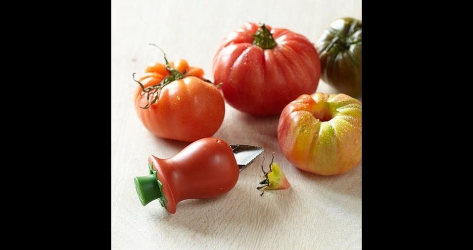 16. Cortador para retirar o umbigo do tomate