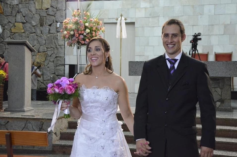 Alessandra Borges Domingues e Silas Eduardo Silva casaram-se no dia 26 de abril de 2014, na Igreja São Judas Tadeu, em Poços de Caldas (MG)