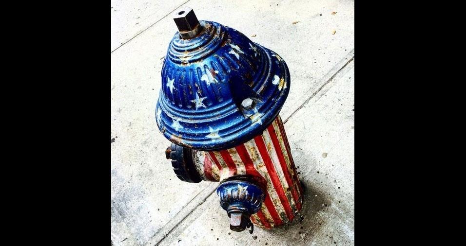 """2. """"Feliz 4th!!! - Em homenagem ao 4 de julho, dia da independência dos Estados Unidos"""