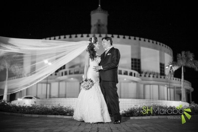 Helen Caroline Couto Vieira e Daniel Amadeu Gomes Vieira se casaram no dia 03 de maio de 2014, em São Pedro do Ivaí (PR)