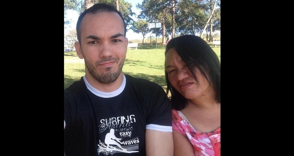 Junior com a mãe Neuza