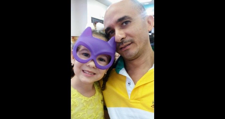 Sofia Suellen com o papai Manoel, de João Pessoa (PB)
