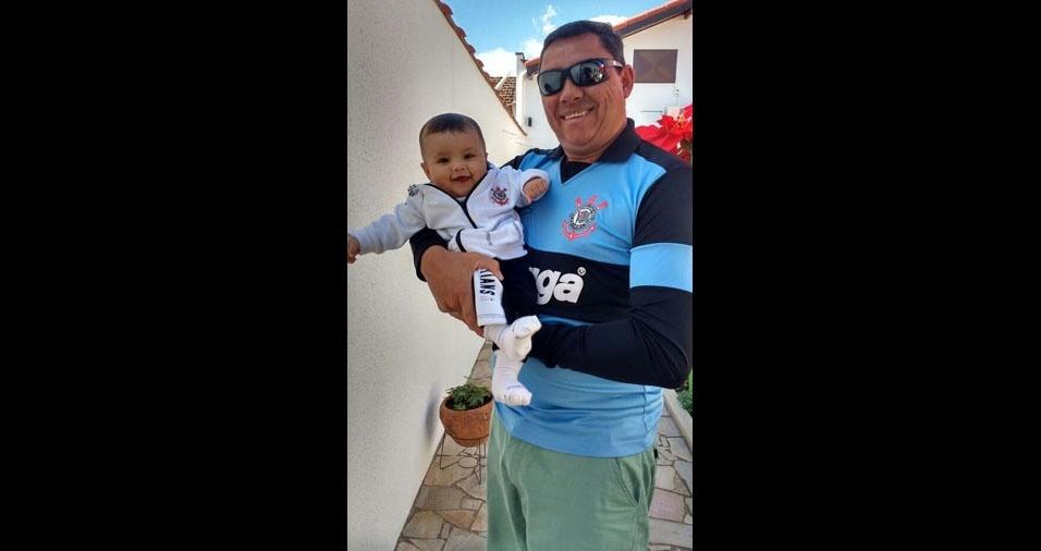 Anderson com a filha Manuela, de Cruzeiro (SP)