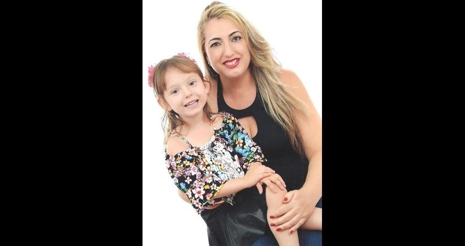 Reginaldo Castelanelli enviou foto de sua esposa Janete Martins Castelanelli com a filha Yasmin Martins Castelanelli, em homenagem ao Dia das Mães