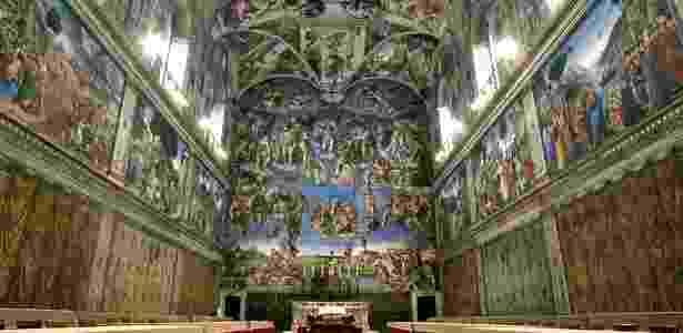 A Capela Sistina, em homenagem ao papa Sisto 4º, foi inspirada nas descrições bíblicas do Templo de Salomão, e foi decorada pelos maiores artistas da Renascença, como Michelangelo, Rafael e Boticcelli - Reprodução/Chicago.suntimes - Reprodução/Chicago.suntimes