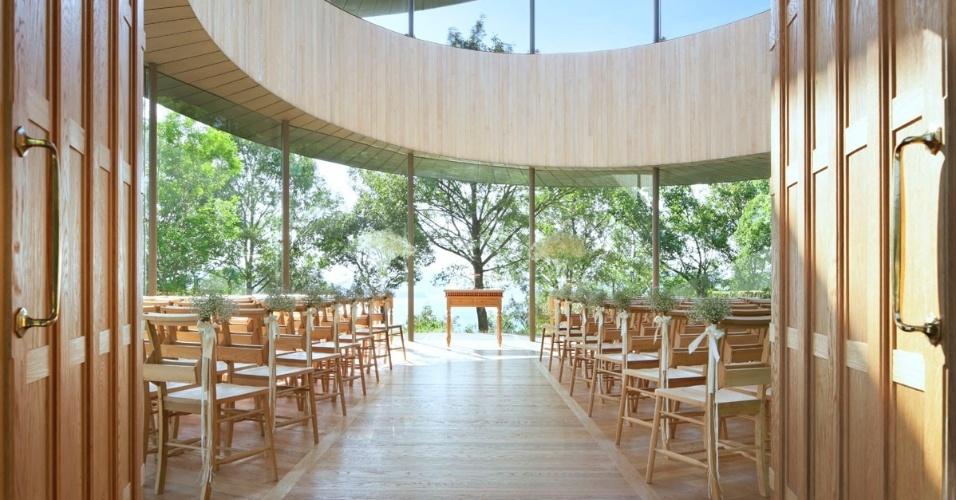 19.fev.2016 - A capela em Hiroshima foi pensada como um local para cerimônias de casamento