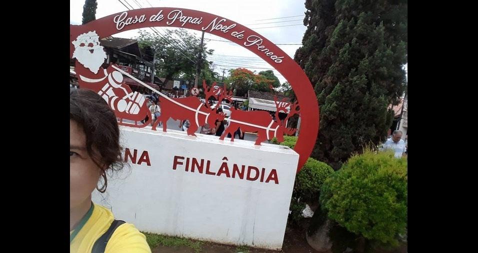 Daniele na Casa do Papai Noel, em Penedo, Itatiaia (RJ)