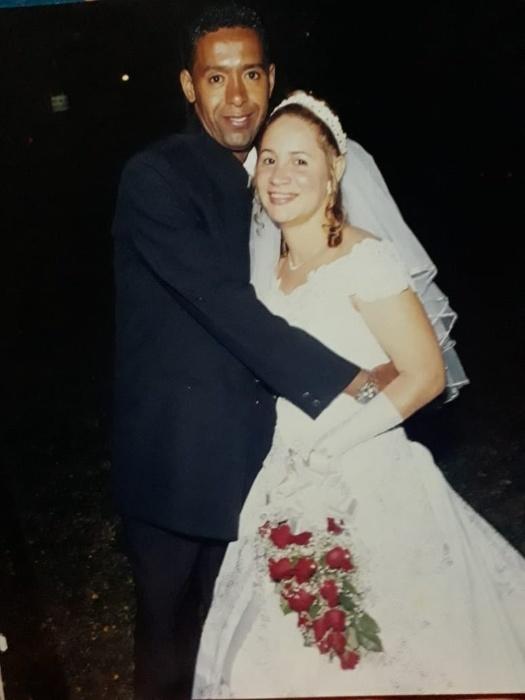 Edina Rodrigues Novais da Silva e Ângelo José da Silva, em 15/11/2003