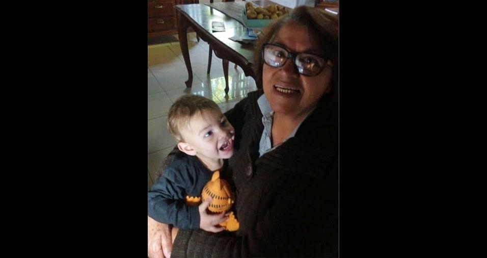 Wagner Cesar Ramos Miranda enviou foto da mãe  Inês Ramos Miranda com o netinho Pietro, de Biritiba Mirim (SP)