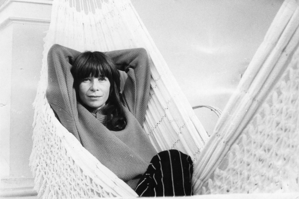 29.ago.1978 - A cantora e compositora Rita Lee posa para foto