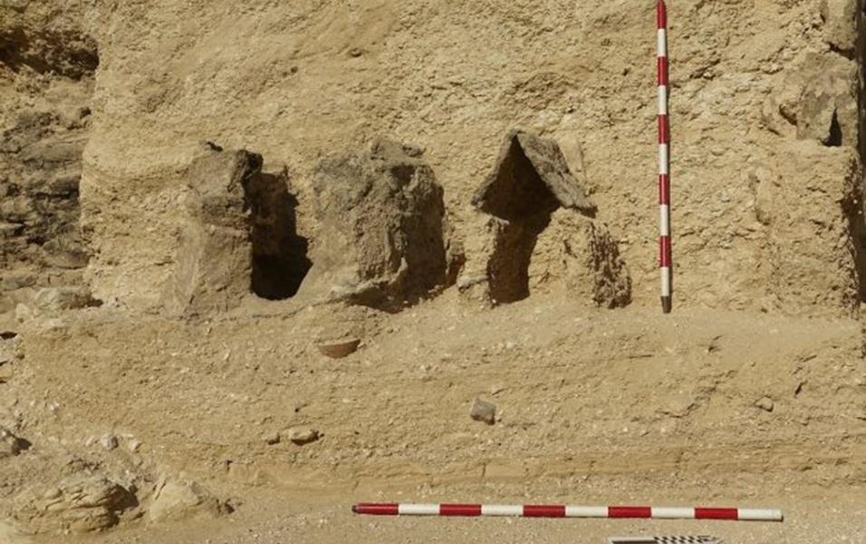 17.mai.2017 - Pesquisadores do órgão espanhol Conselho Superior de Investigação Científica foram quem fizeram a descoberta do jardim funerário, que tem cerca de 4 mil anos
