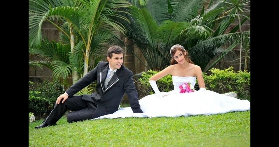 Os noivos Valdilon e Juliana casaram-se no dia 11 de julho de 2010, em Registro (SP)
