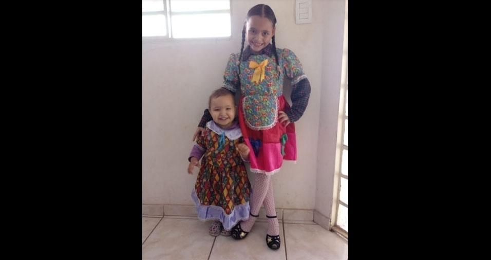 Gabriela, de Contagem (MG), enviou foto das filhas Maria Alice, dois anos, e Mariana, oito anos