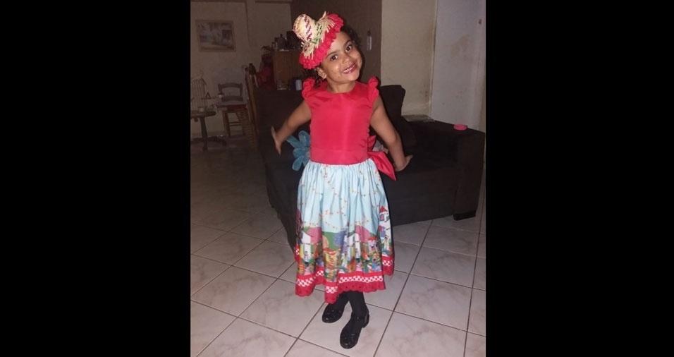 O papai Carlos Andre Oliveira Costa, de Brasilia (DF), enviou foto de sua caipirinha preferida, a filha Milena, de cinco anos