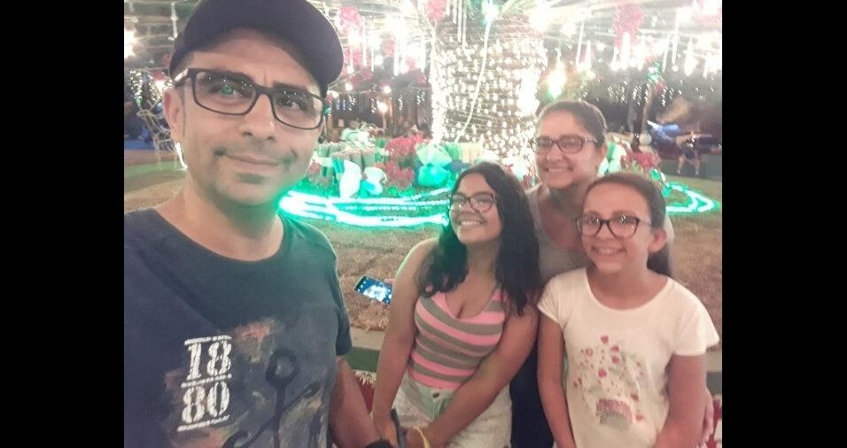 De Tatuí (SP) chegou a foto de Fábio Luiz, Julya Mota, Rose Mota, Nathy Silva para o Natal do BOL