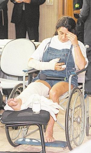 """De acordo com o livro """"PCC - A Facção"""", Sonia Aparecida Rossi, a Maria do Pó, """"é considerada a mulher mais importante do crime paulista"""". Maria do Pó foi presa no ano 2000 (foto), após trocar tiros com a polícia. Em 9 de março de 2006, aos 47 anos, Maria fugiu, sem que ninguém percebesse, da Penitenciária de Santana, no Carandiru, zona norte de São Paulo. """"Ninguém explicou como Maria conseguiu se misturar a um grupo de detentas de bom comportamento que pintava a área externa de um dos pavilhões em reforma na cadeia. E lá se foi Maria..."""", conta a jornalista Fatima Souza em sua obra"""