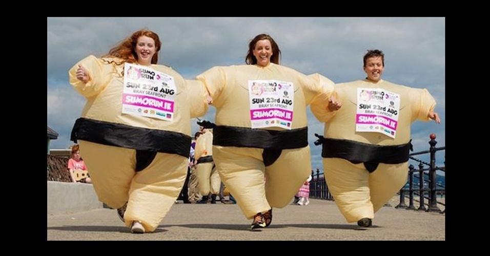 58. O recorde de maior número de pessoas correndo com fantasia inflável de lutador de sumô foi batido em 23/8/2015, na Irlanda, com 293 participantes, em uma prova de 5 Km em benefício de uma entidade para pessoas com câncer. A marca anterior pertencia aos londrinos, alcançada em 2010, com 205 corredores.