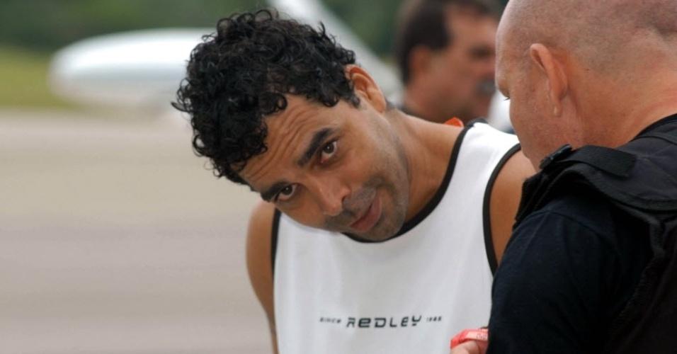 Considerado um dos traficantes mais procurados do Rio de Janeiro, Flávio Pedro da Silva, o Kiko, foi preso em 2011 em Itaquera, zonal leste de São Paulo. Um dos líderes do Comando Vermelho, Kiko comandava o tráfico nos morros da Fallet e do Fogueteiro, na zona norte do Rio, negociava armas e drogas na Bolívia e Paraguai, tinha uma porcentagem das vendas de drogas em Santa Catarina, e era procurado também pelo assassinato de dois policiais militares no Rio de Janeiro. Na imagem, o criminoso aparece em foto de 2006