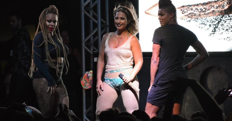 18.mar.17 - A funkeira Valesca durante show em Brasília