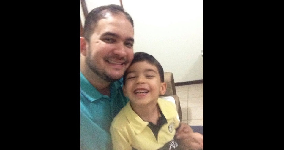 Cassio Bezerra Oliveira com o filho João Cassiano Sanches Oliveira, de Tucuruí (PA)