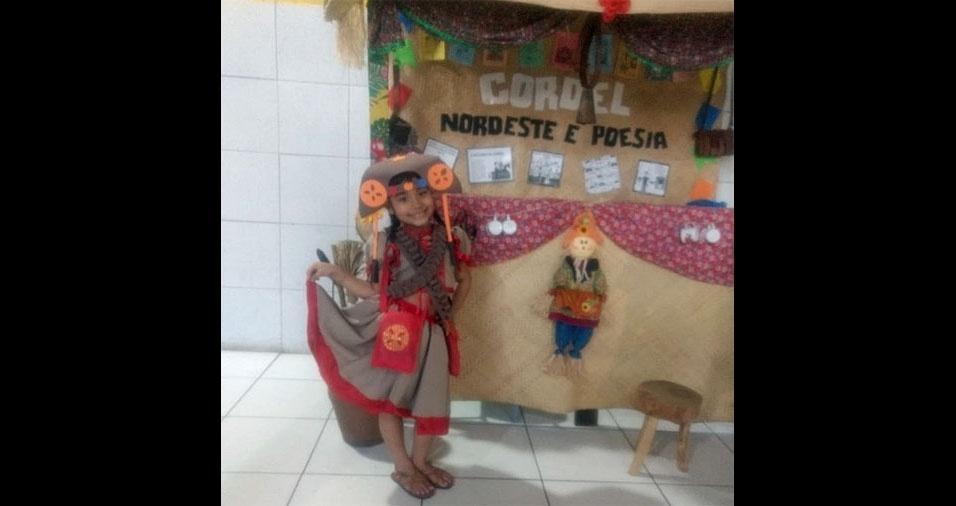 Leidiane, de Fortaleza (CE), enviou foto da filha Laís de Oliveira, de seis anos, vestida de Maria Bonita